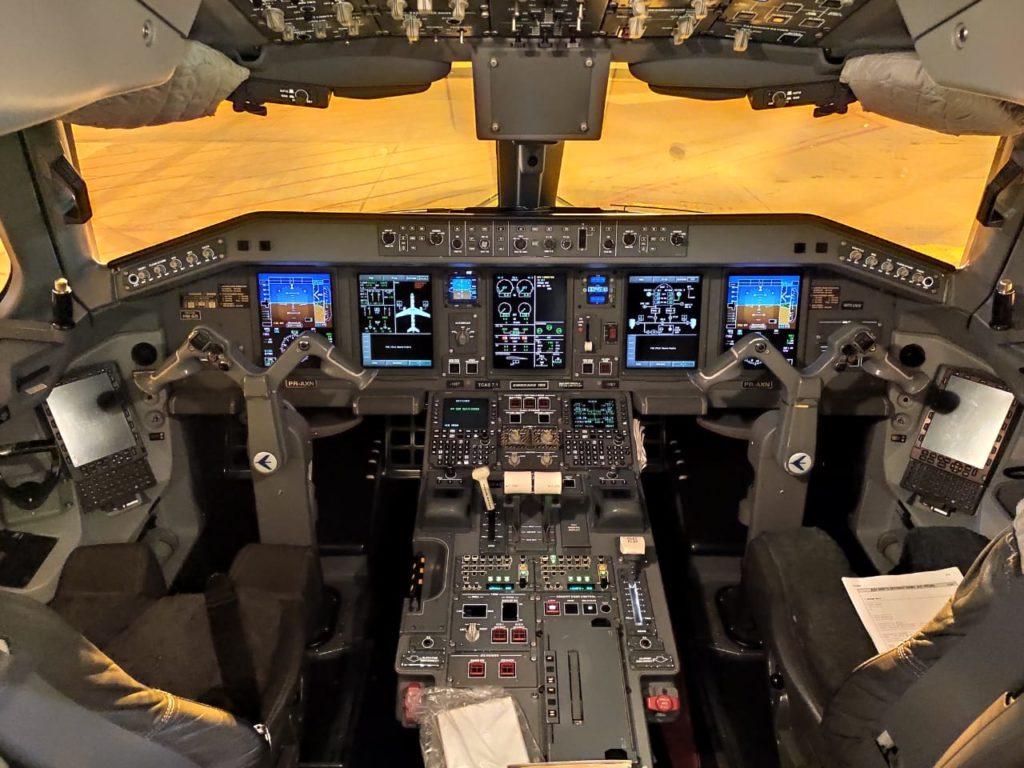 versão anterior maior avião construído por uma empresa brasileira