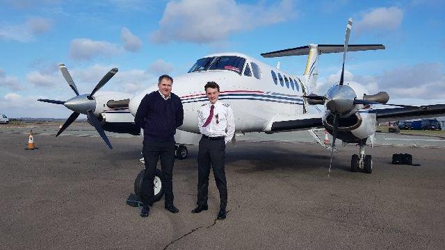 Copiloto na aviação executiva