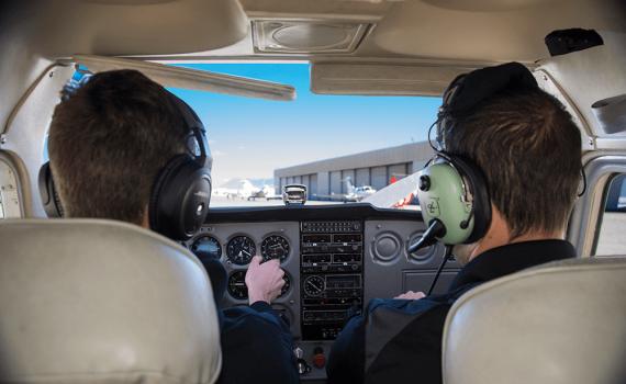 Instrução de voo na decolagem