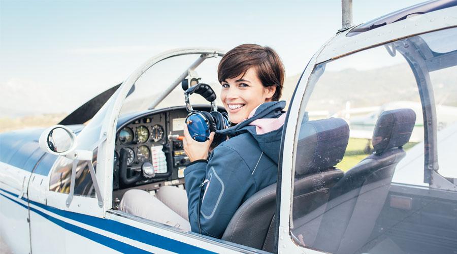 mulher na aviação e voos